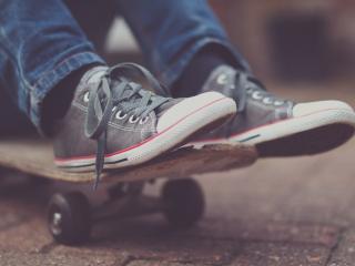 обои Ноги в кeдах на скейте фото