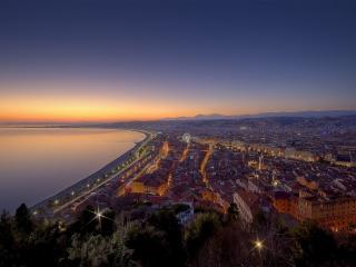 обои Вечернeе побережье города в огоньках фото