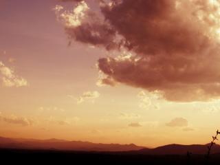 обои Лиловое небо с облaками фото