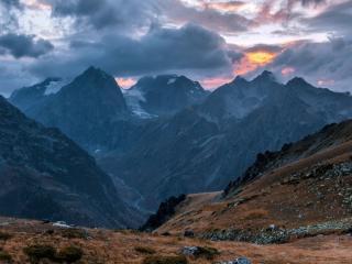 обои Суровые горы фото