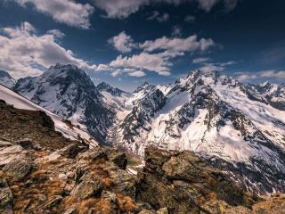 обои Суровый вид гор фото