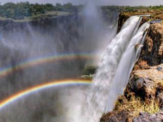 обои Водопад на фоне радуги фото