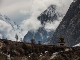 обои Горы в облаках фото