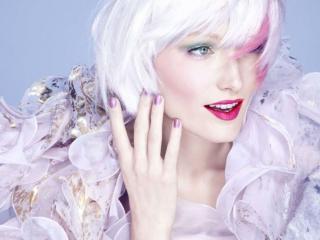 обои Макияж лица - Вечерний, с яркой розовой помадой и тенями цвета хаки фото
