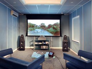 обои Домашний кинотеатр на двоих,   в голубых тонах фото