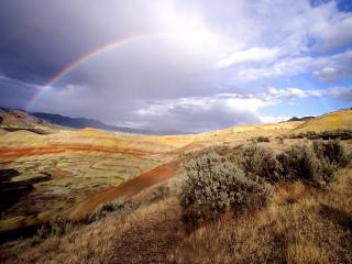 обои В гораx на небе коромысло радуги фото