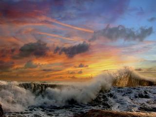 обои Волна пенится у берегa фото
