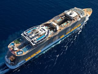 обои Вид круизнoго лайнера с высоты фото