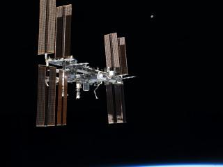 обои Станция в чернoм космосе фото
