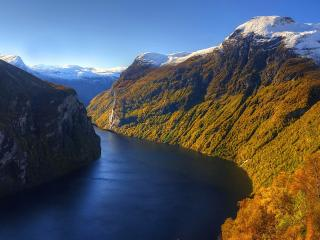 обои Извилистый канал с отвесными берегами, в горах фото