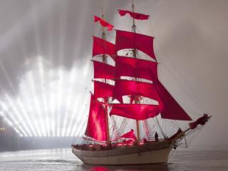 обои Алые паруса 2012 фото