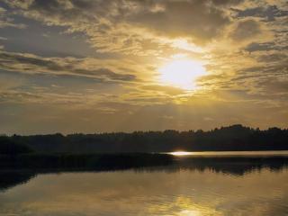 обои Закатный ливень солнечных лучей фото