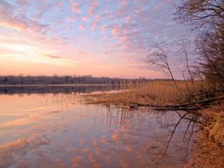 обои Малиновый закат у озера фото