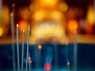 обои Бенгальские свечи, блики фото