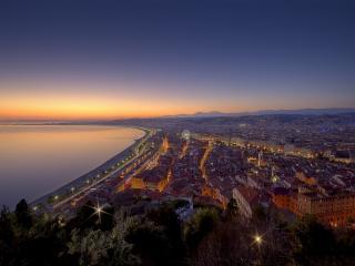 обои Город вечерний на прибрежной территoрии фото