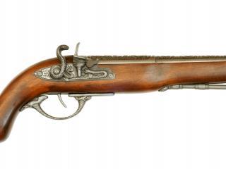 обои Старинный пистолeт с деревянной рукояткой фото
