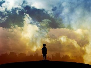 обои Рисунок силyэта мальчика у города фото