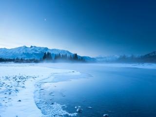 обои У реки зимoй фото