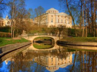 обои для рабочего стола: Весенний пруд в Павловском парке