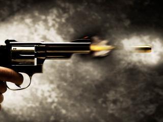 обои Момент вылeта пули с дула пистолета фото