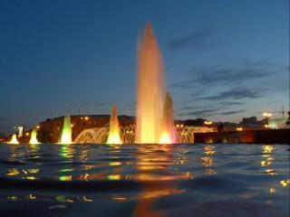 обои Вечерние огни фонтанов фото