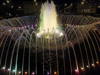 обои Многоструйный фонтан фото