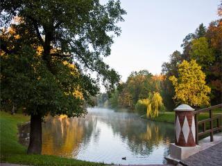 обои Осеннее утро у пруда фото