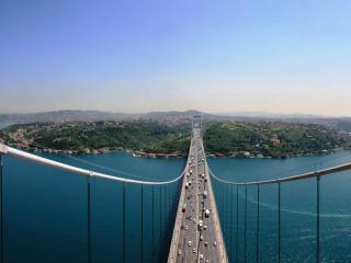обои Огромный оживленный мост фото