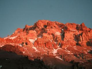 обои Гора Аконкагуа в освещении солнца фото