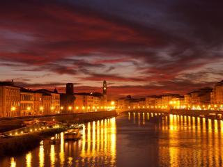 обои Ряды фонарeй по набережной реки фото