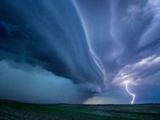 обои Молния и грозовое небо фото