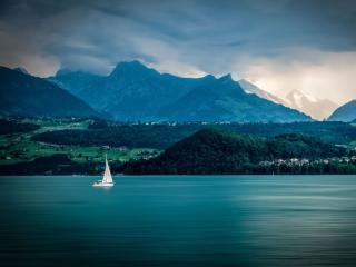 обои У синего,   синего озера фото