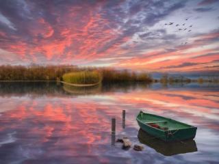 обои Утро на горном озере фото