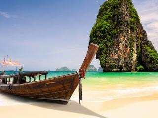 обои Лодка у тропического острова фото