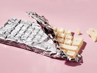 обои Белая шоколадка в форме клавиатуры фото