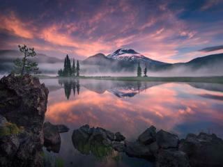 обои Розовое утро на горном озере фото