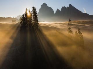 обои Восход солнца в горах фото