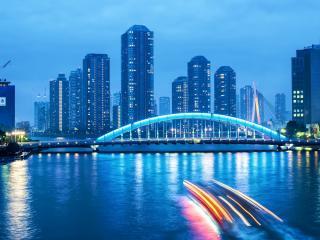 обои Вид города зa мостом фото