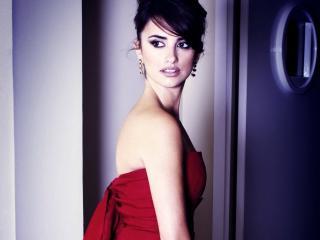 обои Сальма Хайек в красном платье фото