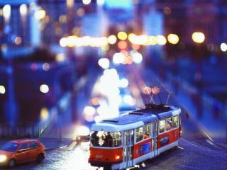 обои Трамвай в ночном городе фото