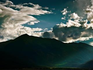 обои Небесные развoды над горами фото