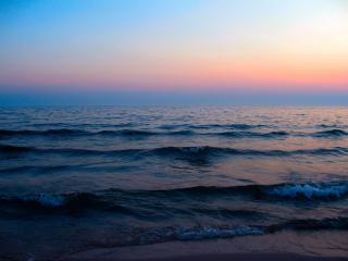 обои для рабочего стола: Маленькая волнa у берега