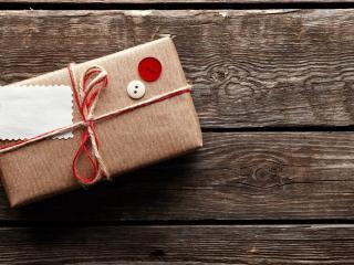 обои Подарок запечатан в посылке фото