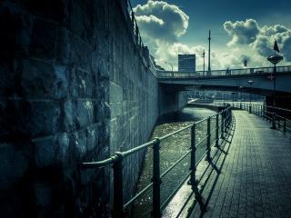 обои Дорога ведущая под мост фото