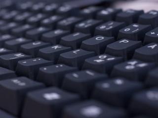 обои Вид черных клавиш клавиатуры фото