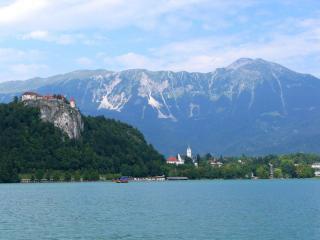 обои Голубое горное озеро фото