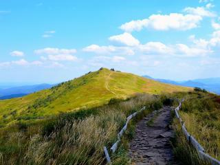 обои Дорога через вершину горы фото