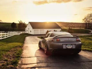 обои Mazda RX-8 на проселочной дороге фото