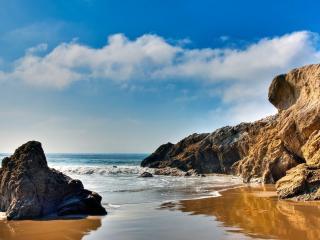 обои Большие скалы и гладь океана фото