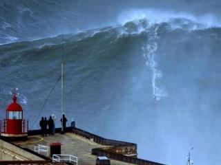 обои для рабочего стола: Волна 30 метров